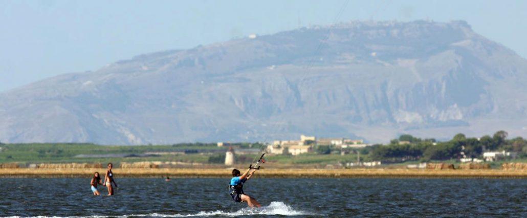 kitesurfing trapani